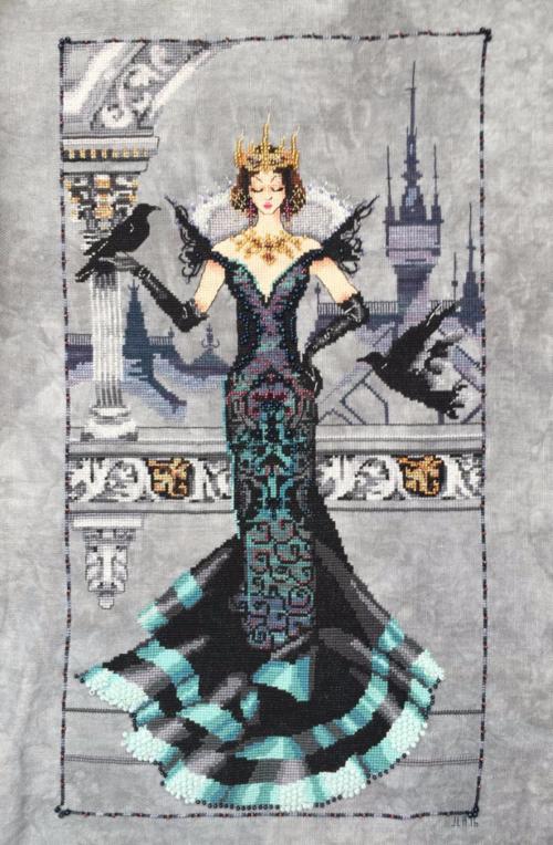 Raven Queen | Mirabilia #crossstitch #ravenqueen #mirabilia